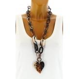 Gros collier sautoir bijoux couture fantaisie en résine  AMORE