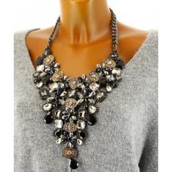 Gros collier plastron couture cristal noir IMPERATRICE