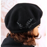 Béret bonnet femme cachemire broderies noir C68B