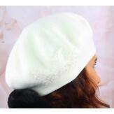 Béret bonnet femme cachemire broderies blanc C68B