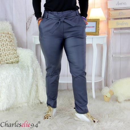 Pantalon simili cuir stretch carotte femme grande taille GABY bleu marine Pantalon femme grande taille
